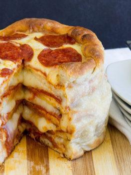 Pepperoni Pizza Kuchen / Pepperoni Pizza Cake